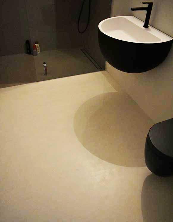 fugenloser Boden im Badezimmer