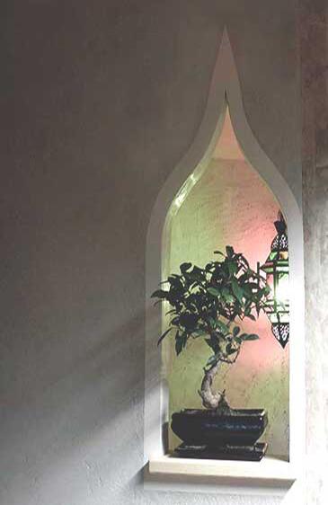 Gotischer Bogen in Stucco Veneziano